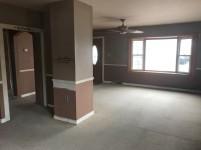 351-565514 living room