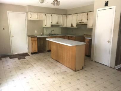 351-486866 kitchen 2