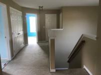 351-579560 2ndfloor hallway