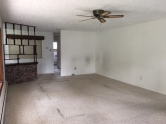 351-473151 LIVING ROOM 3