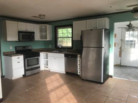 351-482381 kitchen