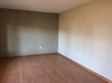 351-555985 LIVING ROOM